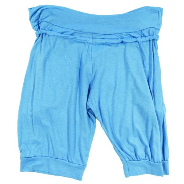 Sinised püksid tagant (1)