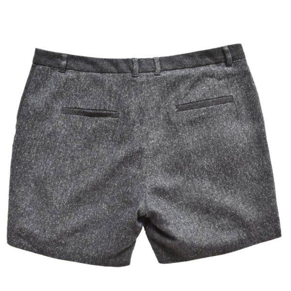 Velvetist lühikesed püksid tagant